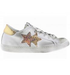 2 Star Scarpe donna in pelle bianca e dettaglio in glitter oro